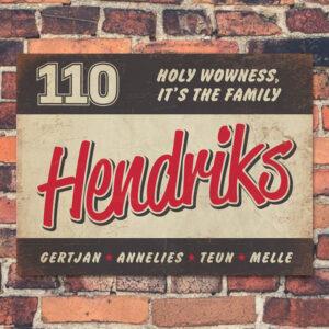 Naambord-Hendriks-voordeur-zwart-rood-wit-koenmeloen
