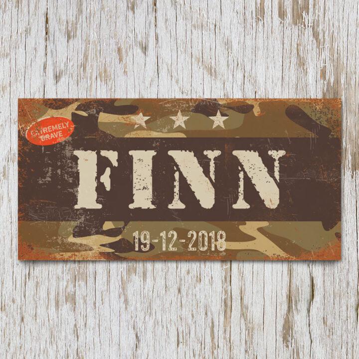naambord-finn-bruin-lichte-tekst-leger-army-koenmeloen