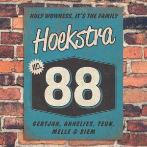 Vintage naambord-Hoekstra-voordeur-blauw-wit-zwart-koenmeloen