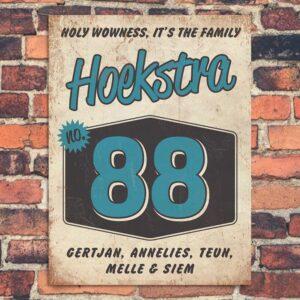 Vintage naambord-Hoekstra-voordeur-wit-blauw-zwart-koenmeloen