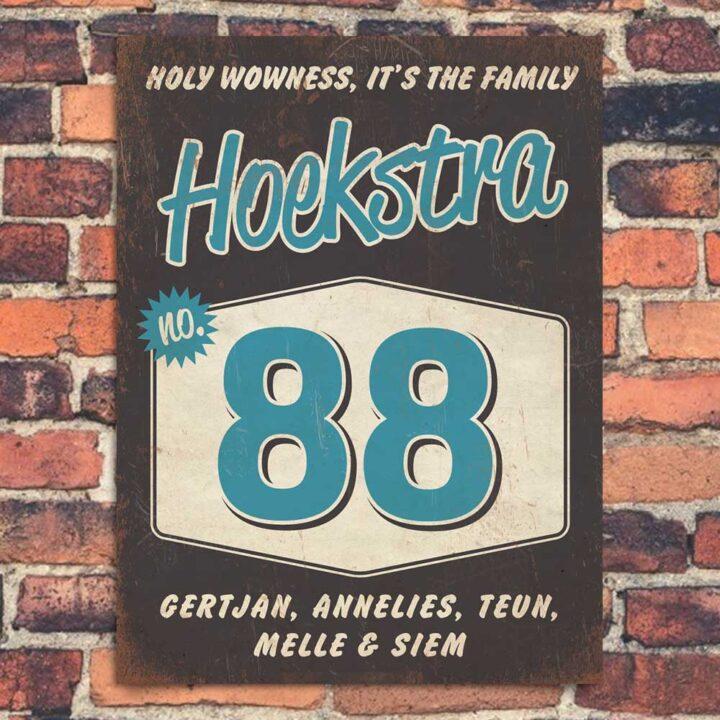 Vintage naambord-Hoekstra-voordeur-zwart-blauw-wit-koenmeloen