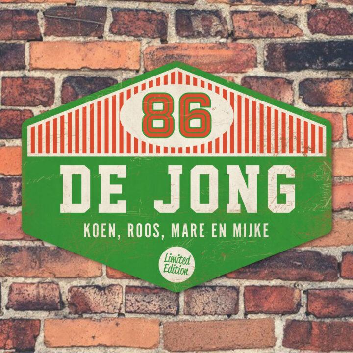 Koenmeloen-Naambord-de-jong-groen-wit-rood-muur voordeur