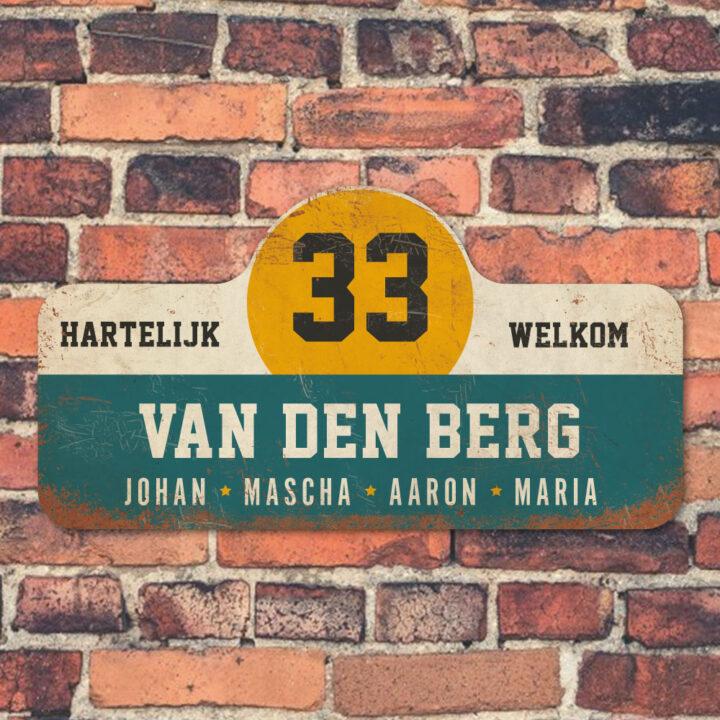 Van-den-Berg-naambord-koenmeloen-blauw-wit-geel-zwart-muur rallybord
