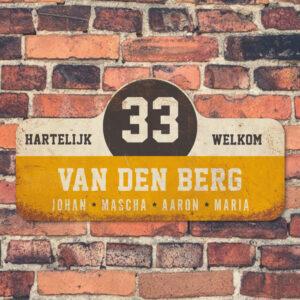Van-den-Berg-naambord-koenmeloen-geel-wit-zwart-muur rallybord