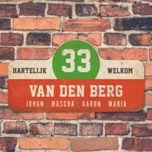 Van-den-Berg-naambord-koenmeloen-rood-wit-groen-bruin-muur rallybord