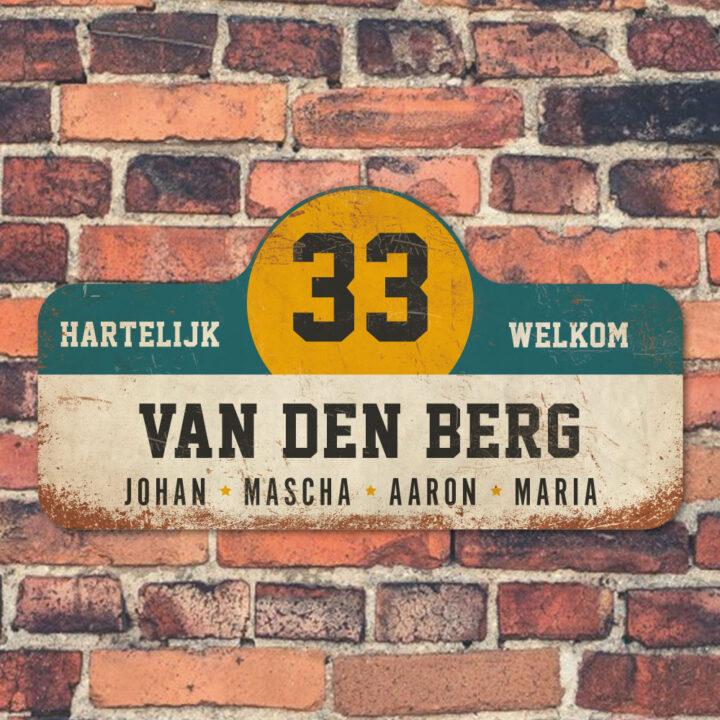Van-den-Berg-naambord-koenmeloen-wit-blauw-geel-zwart-muur rallybord