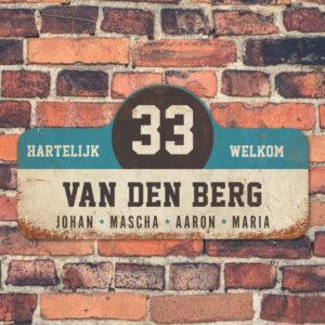 Van-den-Berg-naambord-koenmeloen-wit-blauw-zwart-muur rallybord