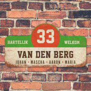 Van-den-Berg-naambord-koenmeloen-wit-groen-rood-bruin-muur rallybord