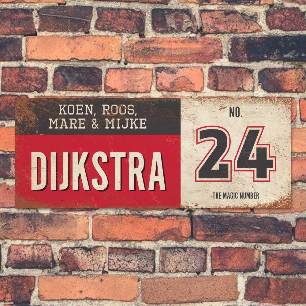 Koenmeloen-vintage-naambord-Dijksrta-rood-zwart-wit