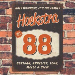Naambord-Hoekstra-voordeur-zwart-oranje-wit-koenmeloen