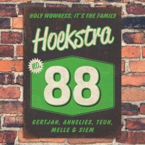 Naambord-Hoekstra-voordeur-zwart-wit-groen-koenmeloen