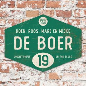 Naambord-de-boer-donkergroen-wit-ruit-koenmeloen-vintage-muur
