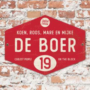 Naambord-de-boer-rood-wit-ruit-koenmeloen-vintage-muur