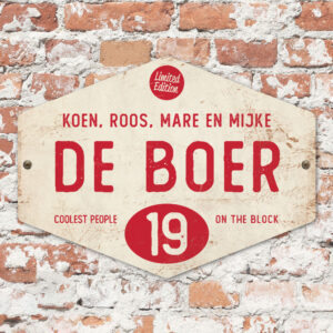 Naambord-de-boer-wit-rood-ruit-koenmeloen-vintage-muur