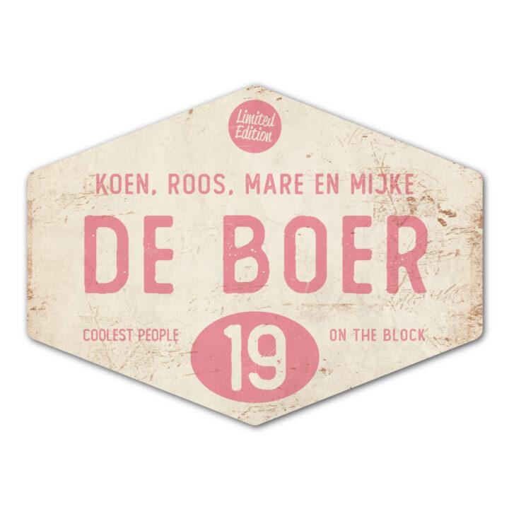 Naambord-de-boer-wit-roze-ruit-koenmeloen-vintage-muur