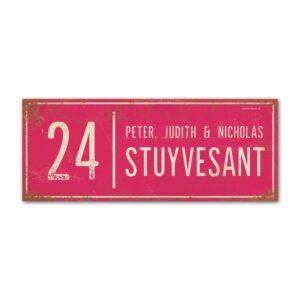 Naambord-Stuyvesant-vintage-koenmeloen-voordeur-roze-wit