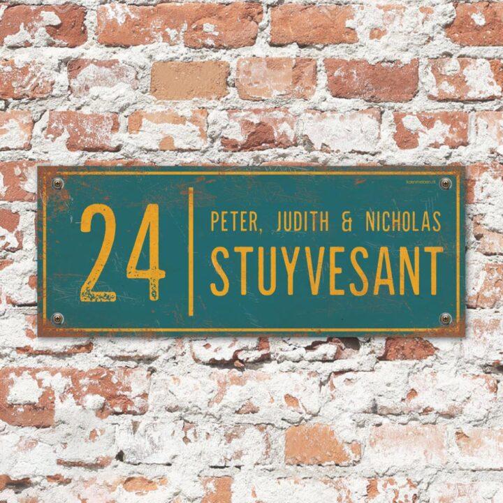 Naambord-Stuyvesant-vintage-koenmeloen-voordeur-blauw-geel