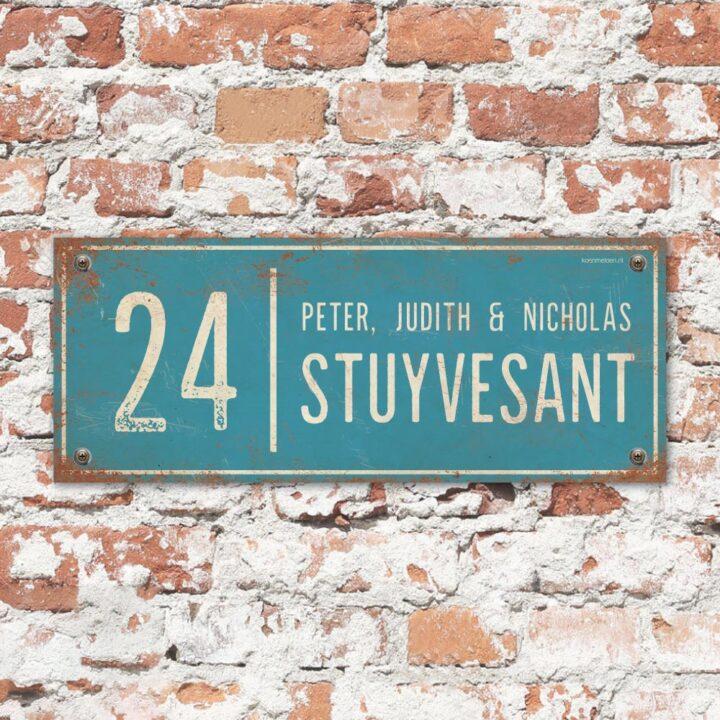 Naambord-Stuyvesant-vintage-koenmeloen-voordeur-blauw-wit