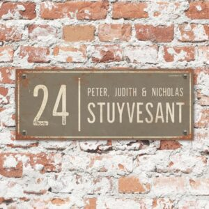Naambord-Stuyvesant-vintage-koenmeloen-voordeur-grijs-wit