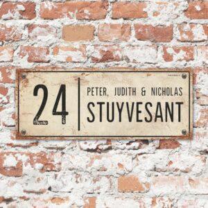Naambord-Stuyvesant-vintage-koenmeloen-voordeur-wit-zwart
