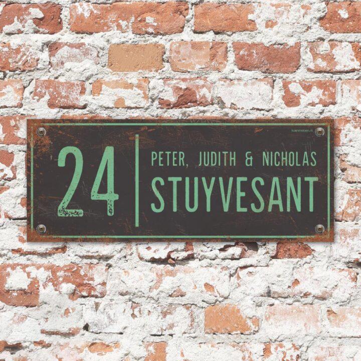 Naambord-Stuyvesant-vintage-koenmeloen-voordeur-zwart-mint