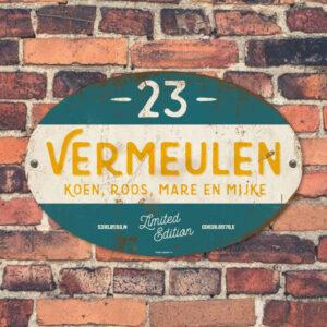 Naambord-Vermeulen-vintage-koenmeloen-voordeur-blauw-geel-wit
