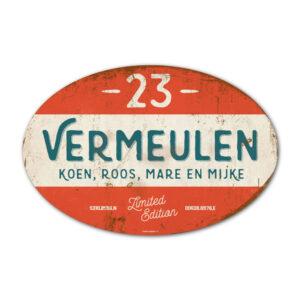 Naambord-Vermeulen-vintage-koenmeloen-voordeur-rood-blauw-wit-muur