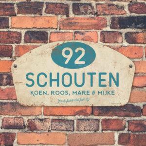 Naambord-Schouten-vintage-koenmeloen-voordeur-blauw-wit